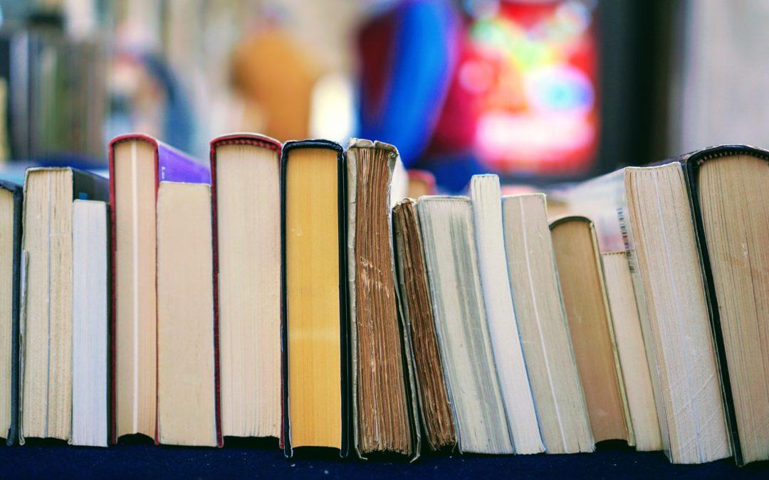 7 unverzichtbare Vertriebsbücher, um ein starkes Fundament für deine Karriere zu schaffen